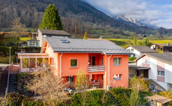 Freistehendes 6½-Zimmer-Einfamilienhaus in Schwanden