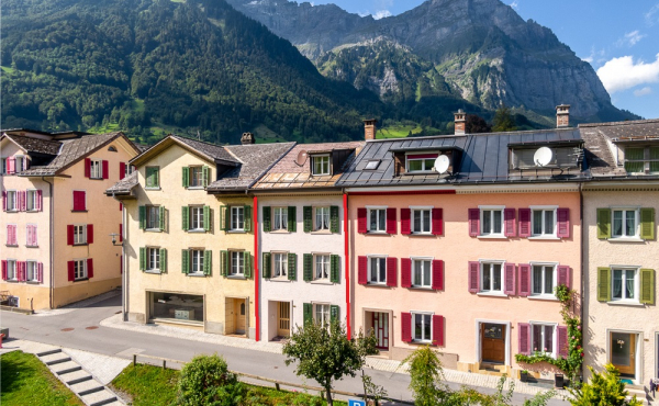 6½-Zimmer-Reihen-EFH in Schwanden